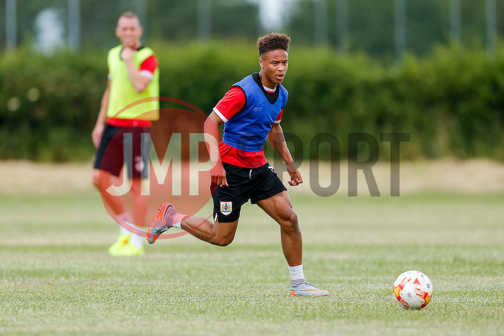 Bobby Reid in action as Bristol City return to training ahead of their 2015/16 Sky Bet Championship campaign - Photo mandatory by-line: Rogan Thomson/JMP - 07966 386802 - 01/07/2015 - SPORT - Football- Bristol, England - Failand Training Ground - Sky Bet Championship.