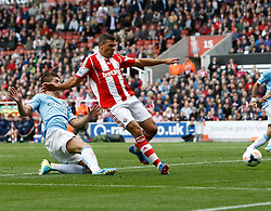 Stoke City's Jonathan Walters goes close to goal - Photo mandatory by-line: Matt Bunn/JMP - Tel: Mobile: 07966 386802 14/09/2013 - SPORT - FOOTBALL -  Britannia Stadium - Stoke-On-Trent - Stoke City V Manchester City - Barclays Premier League