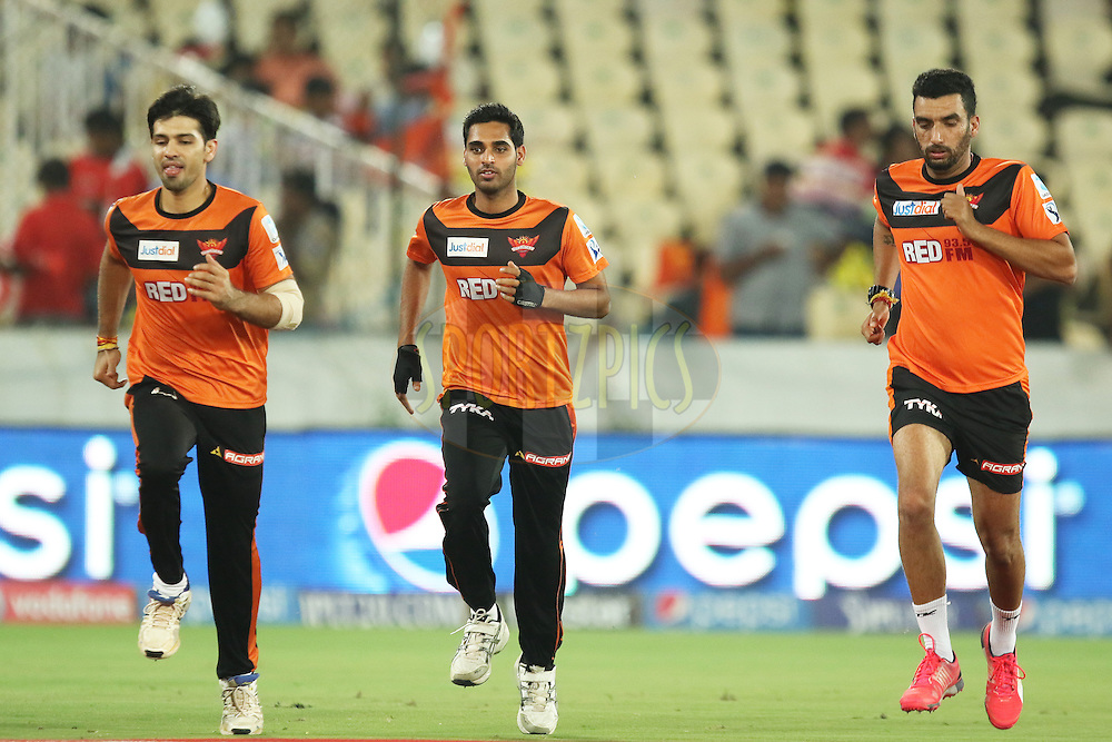 SRH practise sessions during match 48 of the Pepsi IPL 2015 (Indian Premier League) between The Sunrisers Hyderabad and The Kings XI Punjab held at the Rajiv Gandhi International Cricket Stadium in Hyderabad, India on the 11th May 2015.<br /> <br /> Photo by:  Saikat Das / SPORTZPICS / IPL