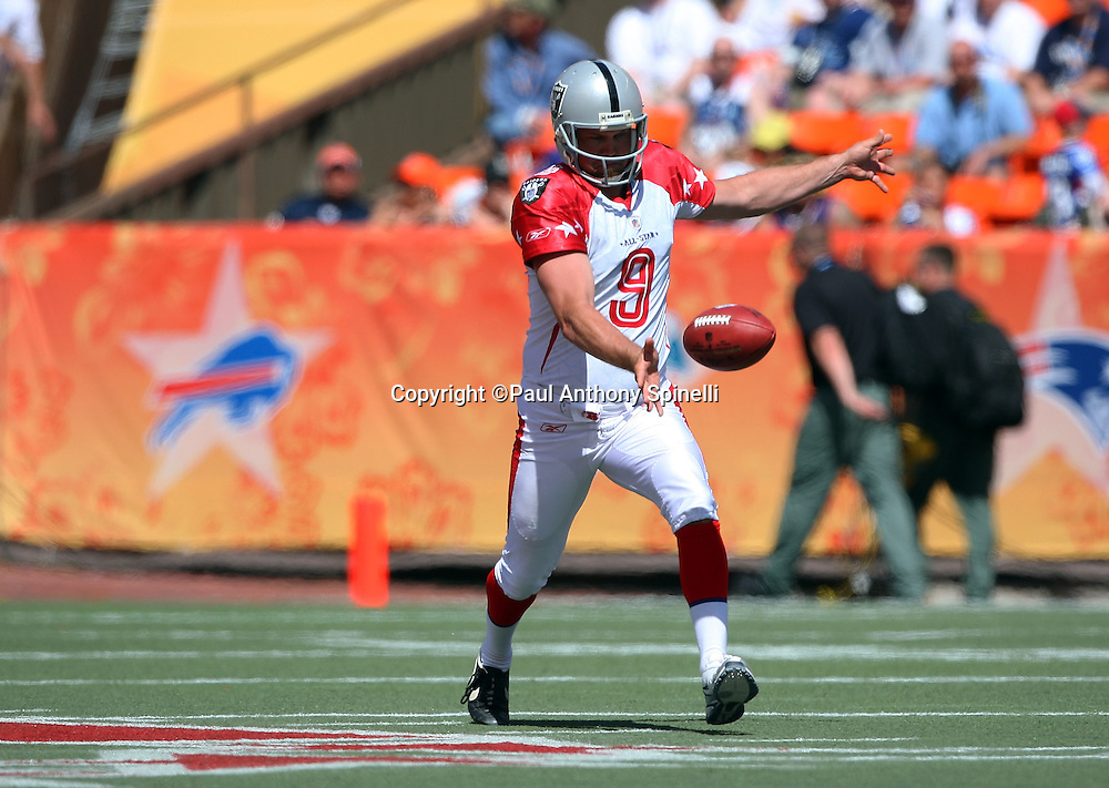 HONOLULU, HI - FEBRUARY 08: AFC All-Stars punter Shane Lechler #9 of the Oakland Raiders punts to the NFC All-Stars in the 2009 NFL Pro Bowl at Aloha Stadium on February 8, 2009 in Honolulu, Hawaii. The NFC defeated the AFC 30-21. ©Paul Anthony Spinelli *** Local Caption *** Shane Lechler