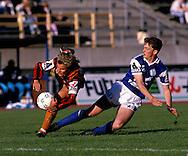 13.05.1990, Lahti.Jalkapalloliiga, Lahden Reipas v Mikkelin Palloilijat.Rami Rantanen (Reipas) v John Allen (MP).©Juha Tamminen