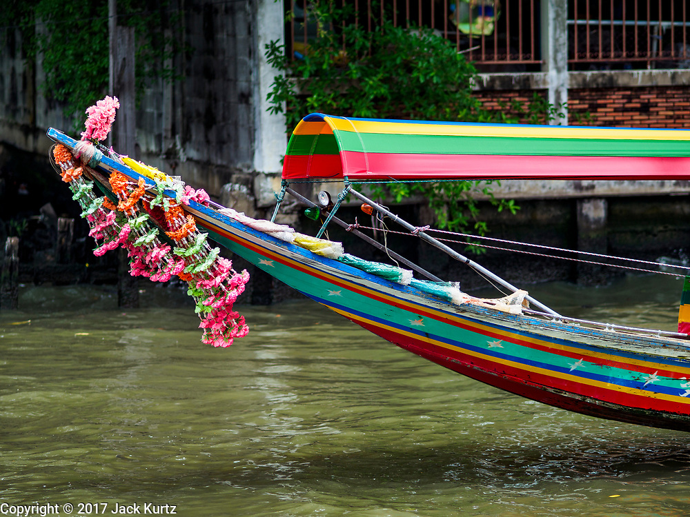 20 SEPTEMBER 2017 - BANGKOK, THAILAND:  Boats take tourists on tours through Khlong Bangkok Yai, one of the original canals, and one of the few remaining canals maintained well enough for boat traffic.       PHOTO BY JACK KURTZ