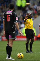 Photo: Pete Lorence.<br />Leicester City v West Bromwich Albion. Coca Cola Championship. 24/02/2007.<br />Referee Uriah Rennie during the match.