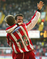 Fotball<br /> FA Cup England 2004/2005<br /> 3. runde<br /> 08.01.2005<br /> Foto: SBI/Digitalsport<br /> NORWAY ONLY<br /> <br /> Sheffield United v Aston Villa<br /> <br /> Sheffield's Andy Liddell celebrates his first goal with Michael Tonge