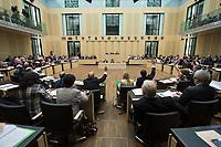 29 JUN 2012, BERLIN/GERMANY:<br /> Uebersicht Abstimmung im Bundesrat zum Fiskalpakt, zum dauerhaften Euro-Rettungsschirm ESM, zur ESM-Finanzierung und zur Aenderung des Vertrags über die Arbeitsweise der Europaeischen Union , Plenum, Bundesrat<br /> IMAGE: 20120629-02-048<br /> KEYWORDS: Fiskalpakt, dauerhafter Rettungsschirm EFSM, Fiskalvertrag, Einrichtung des Europäischen Stabilitätsmechanismus, Europäischen Stabilitätsmechanismus ESM-Finanzierungsgesetz ESMF, Stabilitaetsunion, Übersicht