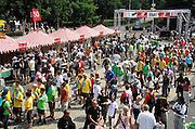 Nederland, Nijmegen, 16-7-2007..Vandaag konden wandelaars, deelnemers aan de 4daagse zich nog inschrijven op de Wedren, vanwaar morgen de start plaatsvindt...Foto: Flip Franssen