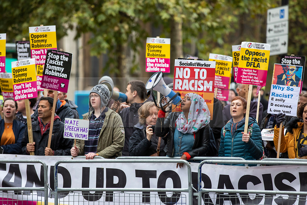 © Licensed to London News Pictures. 23/10/2018. London, UK. A counter-demonstration outside the Old Bailey in London where former English Defence League leader Tommy Robinson is accused of contempt of court for breaking reporting restrictions around the Huddersfield grooming gang trial. Photo credit: Rob Pinney/LNP