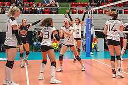 16.05.2019, Montreux, SUI, Montreux Volley Masters 2019, Deutschland vs Polen, im Bild Germany cheering after point by Nele Barber (Germany #7) // during the Montreux Volley Masters match between Germany and Poland in Montreux, Switzerland on 2019/05/16. EXPA Pictures © 2019, PhotoCredit: EXPA/ Eibner-Pressefoto/ beautiful sports/Schiller<br /> <br /> *****ATTENTION - OUT of GER*****