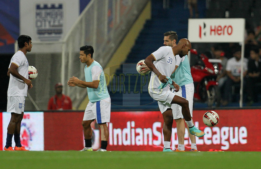 Mumbai City FC warm up before the start of the match 19 of the Hero Indian Super League between Mumbai City FC and Kerala Blasters FC held at the D.Y. Patil Stadium, Navi Mumbai, India on the 2nd November.<br /> <br /> Photo by:  Vipin Pawar/ ISL/ SPORTZPICS