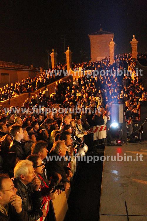 ELEZIONI COMACCHIO 2012 COMIZIO BEPPE GRILLO