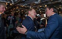 UTRECHT -  aftredend president, Willem Zelsmann, met bestuurslid Richard Kooles (r)    Algemene Ledenvergadering van de Nederlandse Golf Federatie NGF.   COPYRIGHT KOEN SUYK