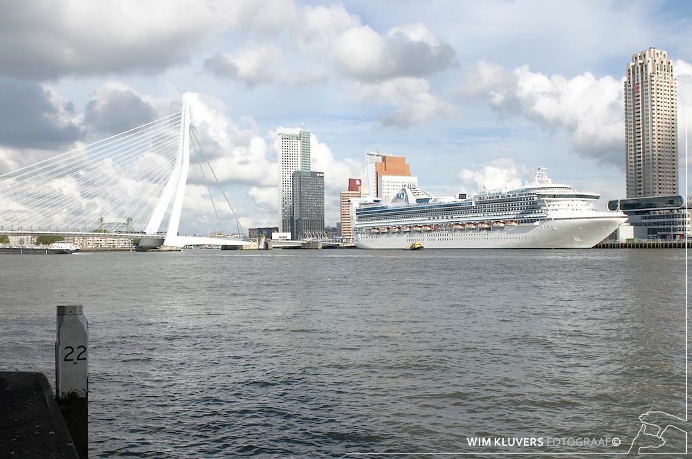 WK20100912-006.NEF.Rotterdam ,kop van zuid