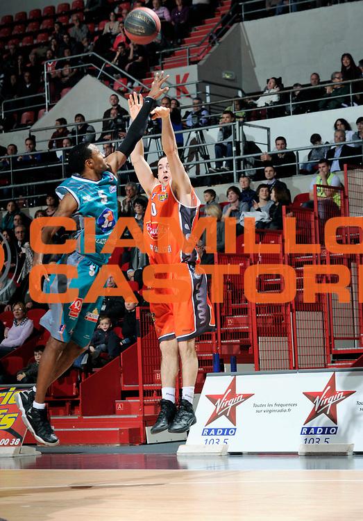 DESCRIZIONE : Coupe de France  Antares Le Mans<br /> GIOCATORE : Rochestie Taylor<br /> SQUADRA : Le Mans <br /> EVENTO : Coupe de France <br /> GARA : Le Mans Pau<br /> DATA : 10/01/2012<br /> CATEGORIA : Basketball  Homme <br /> SPORT : Basketball<br /> AUTORE : JF Molliere<br /> Galleria : France Basket 2011-2012 Action<br /> Fotonotizia : Coupe de France Basket Homme<br /> Predefinita :