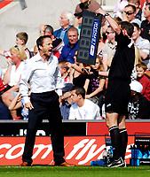 Photo: Alan Crowhurst.<br />Southampton v Leeds United. Coca Cola Championship. 21/04/2007. Leeds manager Dennis Wise.