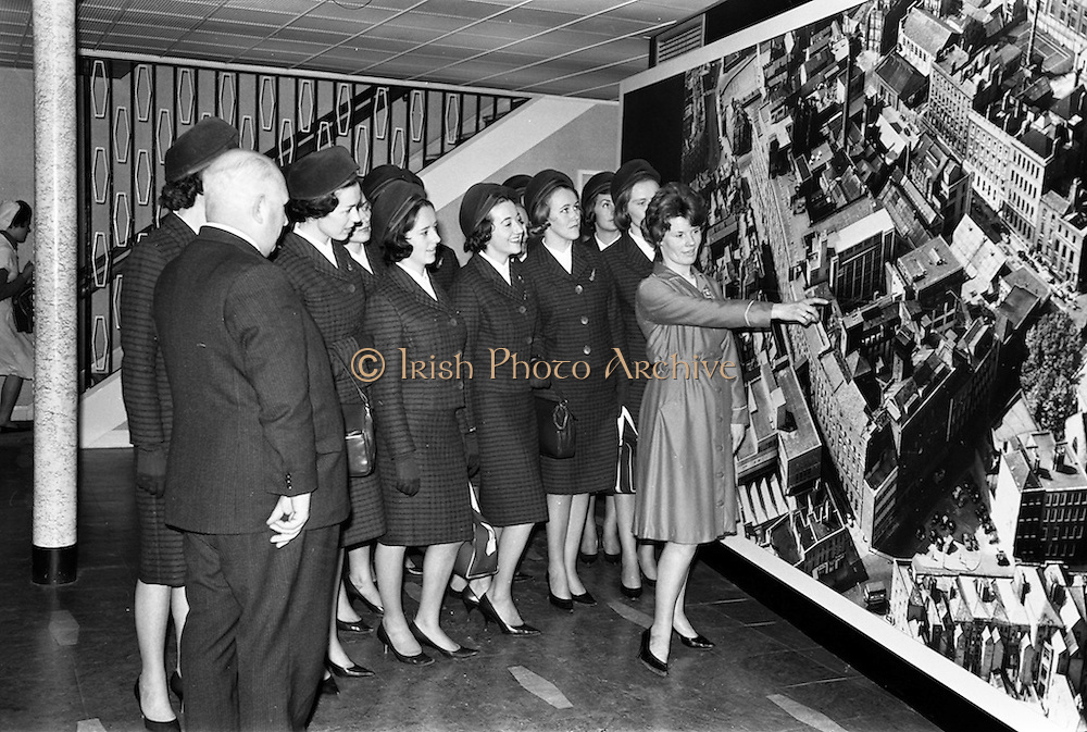 05/04/1963<br /> 04/05/1963<br /> 05 April 1963<br /> Aer Lingus Hostesses visit Jacob's Biscuit factory, Dublin