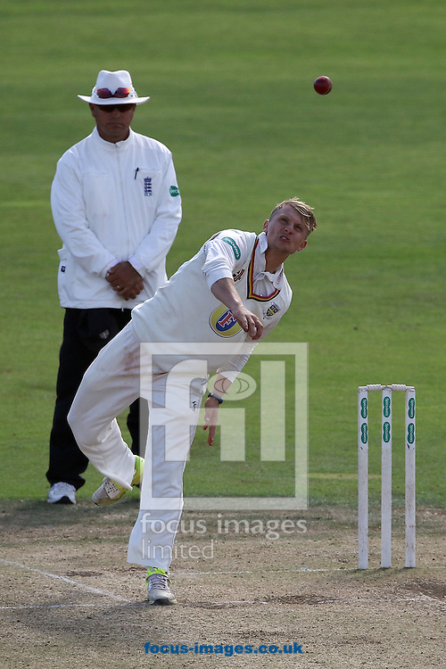 Scott Borthwick of Durham CCC in bowling action during the Specsavers County C'ship Div One match at Headingley Carnegie Cricket Ground, Headingley<br /> Picture by Robert Smith/Focus Images Ltd 07837 882029<br /> 08/09/2016