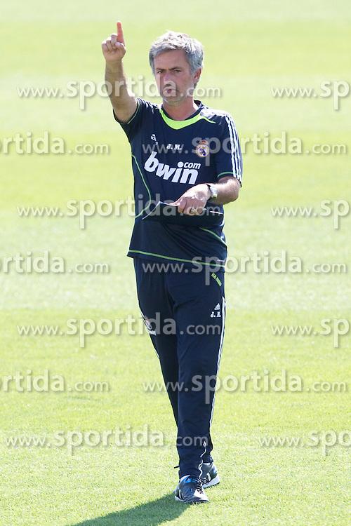 10.08.2010, Valdebebas, Madrid, ESP, Primera Division, Real Madrid Training, im Bild Jose Mourinho. EXPA Pictures © 2010, PhotoCredit: EXPA/ Alterphotos/ Cesar Cebolla +++++ ATTENTION - OUT OF SPAIN +++++. / SPORTIDA PHOTO AGENCY