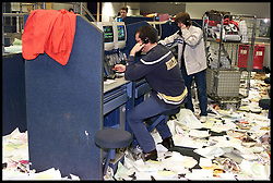 Bankers from Liffe surrounded by papers carrying on working as the bear pit is dismantled as Liffe closes in the City of london, April 2000. Photo By Andrew Parsons/i-ImagesBankers from Liffe surrounded by papers carrying on working as the bear pit is dismantled as Liffe closes in the City of London, April 2000. Photo By Andrew Parsons/i-ImagesCity traders and Bankers from Liffe surrounded by papers carrying on working as the bear pit is dismantled as Liffe closes in the City of London, April 2000. Photo By Andrew Parsons/i-Images