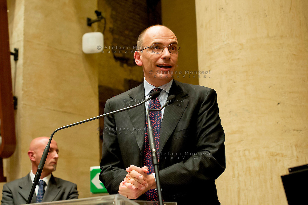 "Roma 13 Novembre 2013<br /> Presentazione del libro ""Giorni bugiardi"" il libro del Partito Democratico  sui segreti del partito. Il presidente del Consiglio, Enrico Letta,  alla presentazione del libro ""Giorni bugiardi"",  presso il Tempio di Adriano (Piazza di Pietra).<br /> <br /> Rome November 13, 2013<br /> Presentation of the book ""Days liars"" the book of the Democratic Party on the secrets of the party.The President of the Council, Enrico Letta, to the presentation of the book ""Days liars"" at the Temple of Hadrian (Piazza di Pietra)"