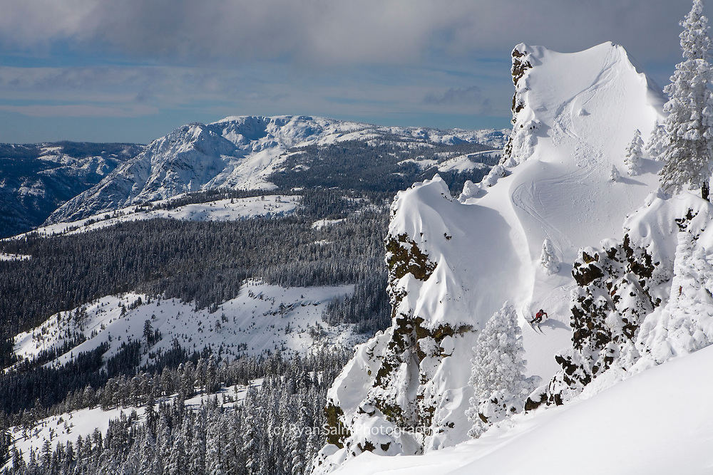 Sidecountry skiing off Sugar Bowl. Sierra Nevada, Lake Tahoe<br />