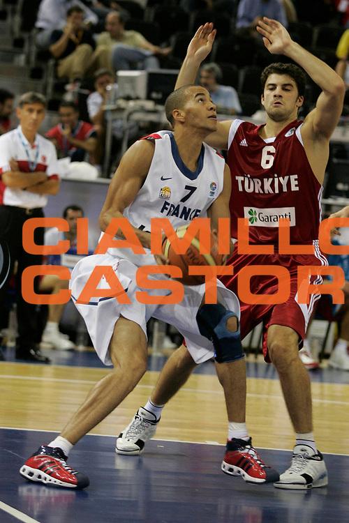 DESCRIZIONE : Madrid Spagna Spain Eurobasket Men 2007 Qualifying Round Francia Turchia France Turkey <br /> GIOCATORE : Yohann Sangare <br /> SQUADRA : Francia France <br /> EVENTO : Eurobasket Men 2007 Campionati Europei Uomini 2007 <br /> GARA : Francia Turchia France Turkey <br /> DATA : 12/09/2007 <br /> CATEGORIA : Penetrazione <br /> SPORT : Pallacanestro <br /> AUTORE : Ciamillo&amp;Castoria/H.Bellenger <br /> Galleria : Eurobasket Men 2007 <br /> Fotonotizia : Madrid Spagna Spain Eurobasket Men 2007 Qualifying Round Francia Turchia France Turkey <br /> Predefinita :