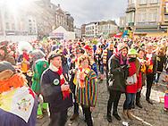 Nederland, Den Bosch, 20160207.<br /> Carnaval in Oeteldonk. De onthulling van Knillis op de markt. <br /> Verklede carnavalvierders vieren feest op straat.<br /> <br /> <br /> Netherlands, Den Bosch, 20160207.<br /> Carnival in Oeteldonk.<br /> People dressed up in costumes have a party in the streets