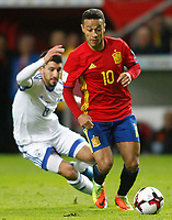 Spain's Thiago Alcantara (r) and Israel's Almog Cohen during FIFA World Cup 2018 Qualifying Round match. March 24,2017.(ALTERPHOTOS/Acero)