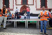 Frankfurt am Main | 26 July 2014<br /> <br /> Am Samstag (26.07.2014) demonstrierten etwa 500 Menschen auf dem R&ouml;merberg in Frankfurt am Main f&uuml;r Frieden in Pal&auml;stina / Gaza und f&uuml;r ein sofortiges Ende der israelischen Milit&auml;reins&auml;tze dort.<br /> Hier: Der Ordnerdienst des Veranstalters passt auf, Janine Wissler (Linkspartei, Die Linke) h&auml;lt eine Rede.<br /> <br /> &copy;peter-juelich.com<br /> <br /> FOTO HONORARPFLICHTIG!<br /> <br /> [No Model Release | No Property Release]