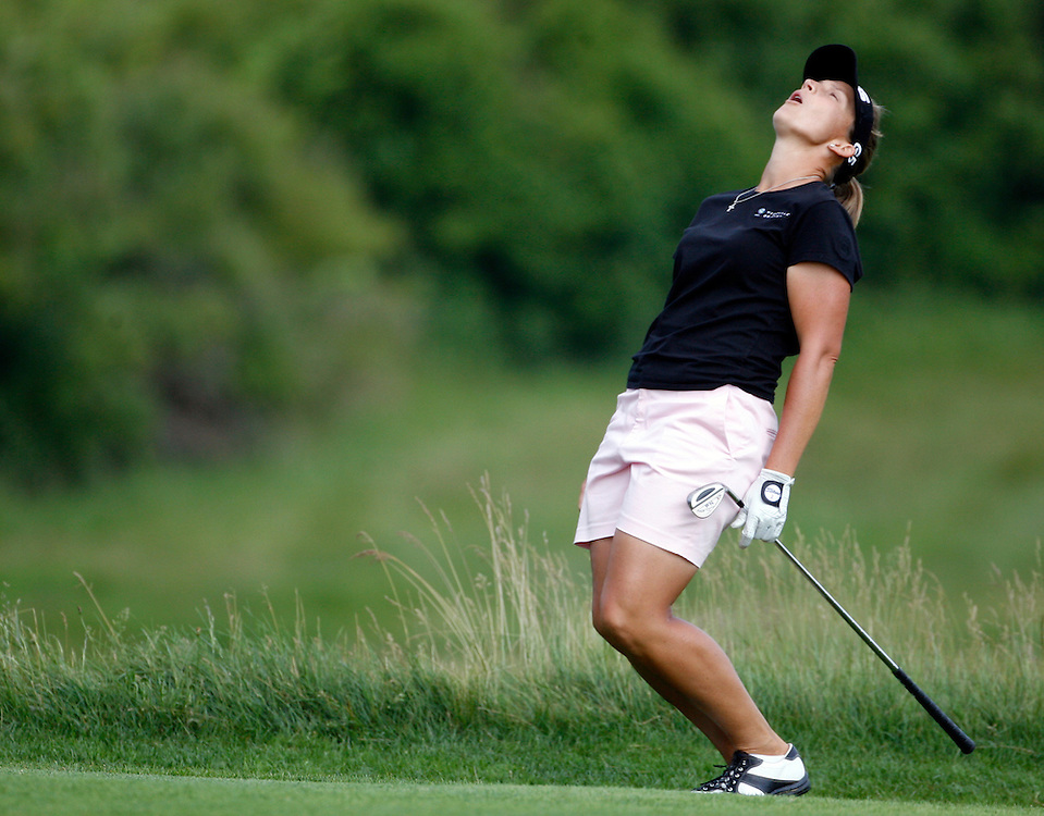 Tracy Hanson of the US reacts on the 9th hole during the first round of the US Women's Open Golf Championship at Newport Country Club in Newport Rhode Island, Friday 30 June 2006