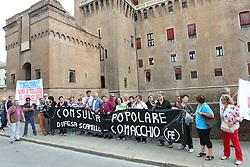 PROTESTA OSPEDALE COMACCHIO DAVANTI A PROVINCIA