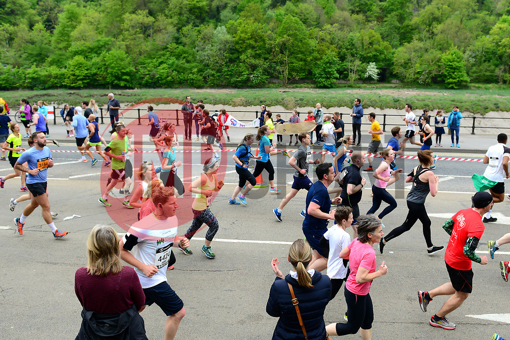 Runners of the Simplyhealth Great Bristol run are cheered on by the crowd  - Mandatory by-line: Dougie Allward/JMP - 07/05/2017 - MARATHON - Simplyhealth Great Bristol 10k