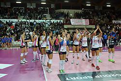 NOVARA ESULTA<br /> IGOR GORGONZOLA NOVARA - IL BISONTE FIRENZE<br /> CAMPIONATO ITALIANO VOLLEY SERIE A1-F 2014-2015<br /> NOVARA (NO) 08-11-2014<br /> FOTO FILIPPO RUBIN / LVF