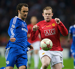 MOSCOW, RUSSIA - Wednesday, May 21, 2008: Manchester United's Wayne Rooney and Chelsea's Ricardo Carvalho during the UEFA Champions League Final at the Luzhniki Stadium. (Photo by David Rawcliffe/Propaganda)