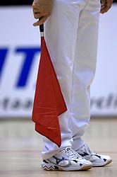 21-03-2007 VOLLEYBAL: ORTEC NESSELANDE - OMNIWORLD: ROTTERDAM <br /> Nesselande wint in de halve finale van de play-off ook de 2de wedstrijd van Omniworld 3-1/ Lijnrechters vlag item creative illustratief<br /> ©2007-WWW.FOTOHOOGENDOORN.NL
