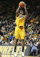 24 JANUARY 2007: Iowa forward Tyler Smith (34) shoots in Iowa's 79-63 win over Penn State at Carver-Hawkeye Arena in Iowa City, Iowa on January 24, 2007.