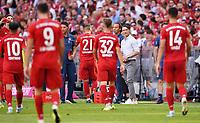 Fussball  1. Bundesliga  Saison 2019/2020  3. Spieltag  FC Bayern Muenchen - 1. FSV Mainz 05         31.08.2019 Trinkpause FC Bayern Muenchen; Trainer Niko Kovac (re)