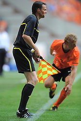 05-06-2010 VOETBAL: NEDERLAND - HONGARIJE: AMSTERDAM<br /> Nederland wint met 6-1 van Hongarije / German referee Christopher Bornhorst <br /> ©2010-WWW.FOTOHOOGENDOORN.NL