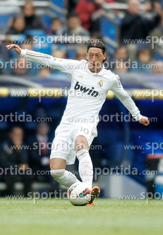 29.04.2012, Santiago Bernabeu Stadion, Madrid, ESP, Primera Division, Real Madrid vs FC Sevilla, 36. Spieltag, im Bild Real Madrid's Mesut Özil the football match of spanish 'primera divison' league, 36th round, between Real Madrid and FC Sevilla at Santiago Bernabeu stadium, Madrid, Spain on 2012/04/29. EXPA Pictures © 2012, PhotoCredit: EXPA/ Alterphotos/ Alvaro Hernandez..***** ATTENTION - OUT OF ESP and SUI *****