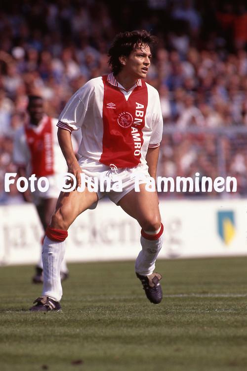 10.9.1995, Ajax Stadion, Amsterdam, Netherlands.<br /> Dutch Eredivisie, AFC Ajax v Sparta Rotterdam.<br /> Jari Litmanen - Ajax