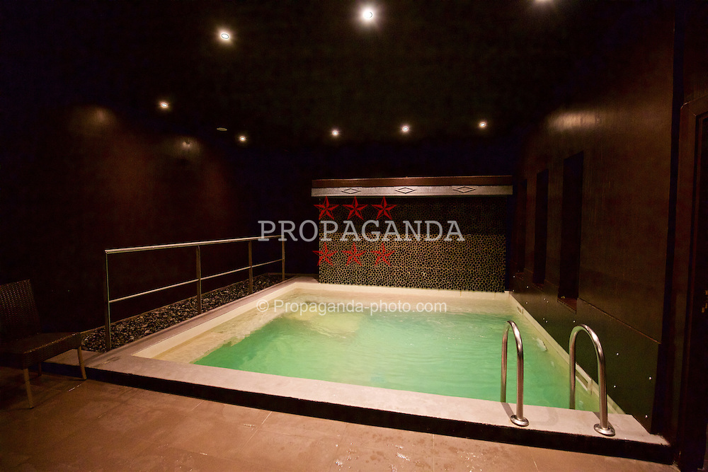 BORDEAUX, FRANCE - Tuesday, January 26, 2016: The Spa pool at the Quality Suites Bordeaux Airport Hotel & Spa on an inspection visit ahead of the UEFA Euro 2016 Tournament. (Pic by David Rawcliffe/Propaganda)