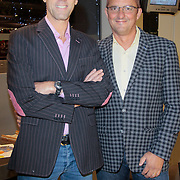 NLD/Amstelveen/20111107- Inloop premiere Kantje Boord, Hans Schiffers en partner Rob Sol
