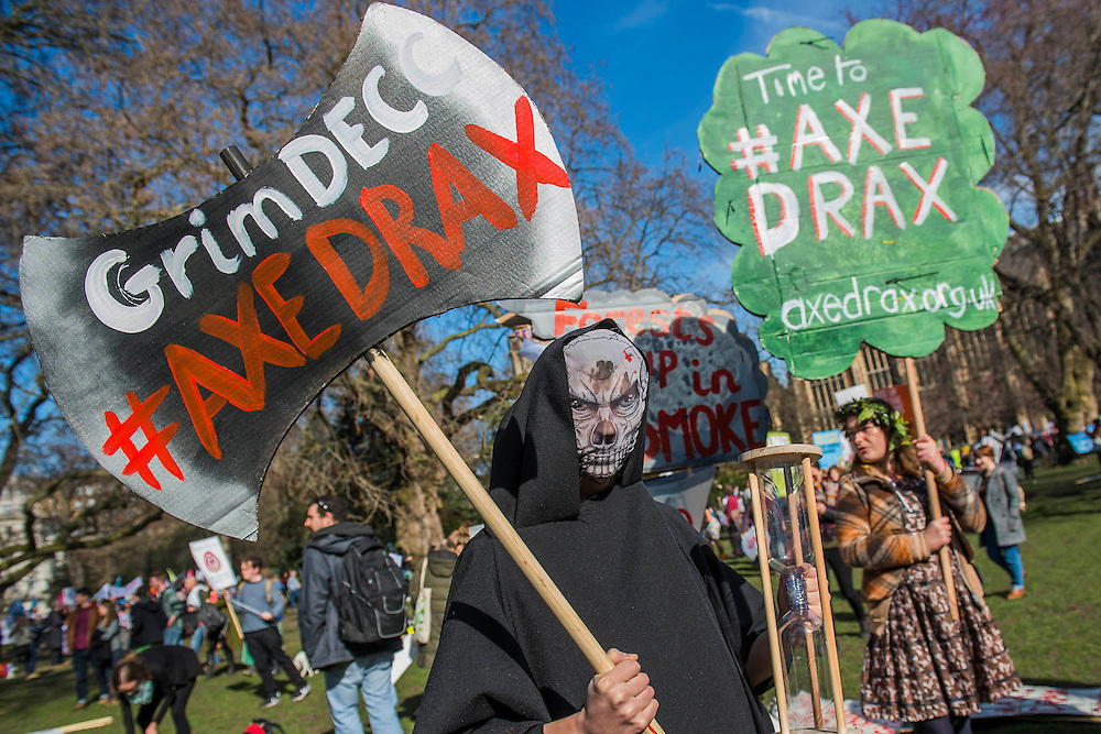 Then anti biomass, Axe Drax group. The People's Climate March saw thousands of people from all angles of climate protest (from Greenpeace and Friends of the Earth to much smaller anti fracking groups) march from Holborn to Westminster in London. The march was colourful and generally peaceful.