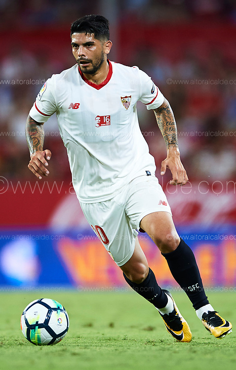SEVILLE, SPAIN - AUGUST 10:  Ever Banega of Sevilla FC in action during a Pre Season Friendly match between Sevilla FC and AS Roma at Estadio Ramon Sanchez Pizjuan on August 10, 2017 in Seville, Spain.  (Photo by Aitor Alcalde/Getty Images)