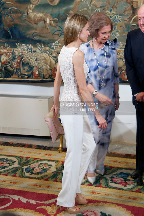 King Juan Carlos of Spain, Queen Sofia of Spain, Prince Felipe of Spain, Princess Letizia of Spain and Princess Elena attend official dinner at Almudaina Palace on August 6, 2013 in Palma de Mallorca, Spain.
