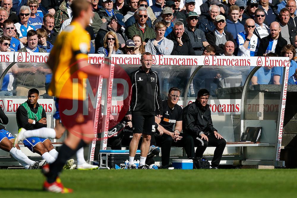 Bristol Rovers Manager Darrell Clarke (R) looks on from the dugout - Photo mandatory by-line: Rogan Thomson/JMP - 07966 386802 - 11/04/2015 - SPORT - FOOTBALL - Bristol, England - Memorial Stadium - Bristol Rovers v Southport - Vanarama Conference Premier.