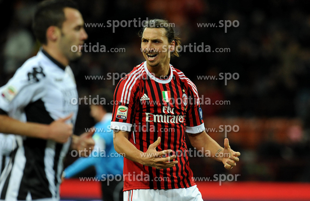 17.12.2011, Stadion Giuseppe Meazza, Mailand, ITA, Serie A, AC Mailand vs AC Siena, 16. Spieltag, im Bild esultanza dopo ilgol di Zlatan IBRAHIMOVIC (Milan) goal celebration // during the football match of Italian 'Serie A' league, 16th round, between AC Mailand and AC Siena at Stadium Giuseppe Meazza, Milan, Italy on 2011/12/17. EXPA Pictures © 2011, PhotoCredit: EXPA/ Insidefoto/ Alessandro Sabattini..***** ATTENTION - for AUT, SLO, CRO, SRB, SUI and SWE only *****