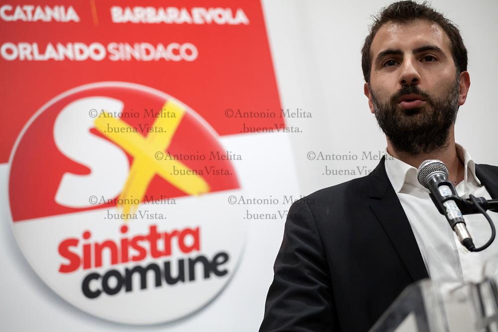 Erasmo Palazzotto, parlamentare di Sinistra Italiana, durante la presentazione dei candidati si Sinistra Comune a Palermo.