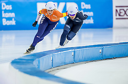 10-12-2016 NED: ISU World Cup Speed Skating, Heerenveen<br /> Massasprint vrouwen Irene Schouten #14, Bo-Reum  Kim #2