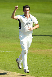 Tim Murtagh of Middlesex celebrates taking the wicket of Luis Reece of Derbyshire - Mandatory by-line: Robbie Stephenson/JMP - 20/04/2018 - CRICKET - The 3aaa County Ground  - Derby, England - Derbyshire CCC v Middlesex CCC - Specsavers County Championship Division Two