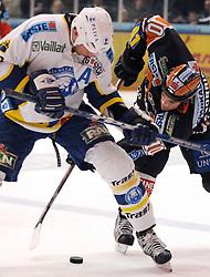 25.02.2010, Eisstadion Liebenau, Graz, AUT, EBEL, Graz 99ers vs KHL Zagreb, im Bild Warren Norris (10, 99ers), Joel Prpic (29, KHL Zagreb), EXPA Pictures © 2010, PhotoCredit: EXPA/ J. Hinterleitner / SPORTIDA PHOTO AGENCY.